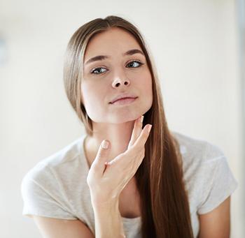 receptfri Akne behandling och produkter mot finnar