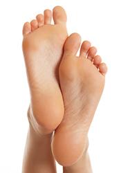 behandla nagelsvamp fötter